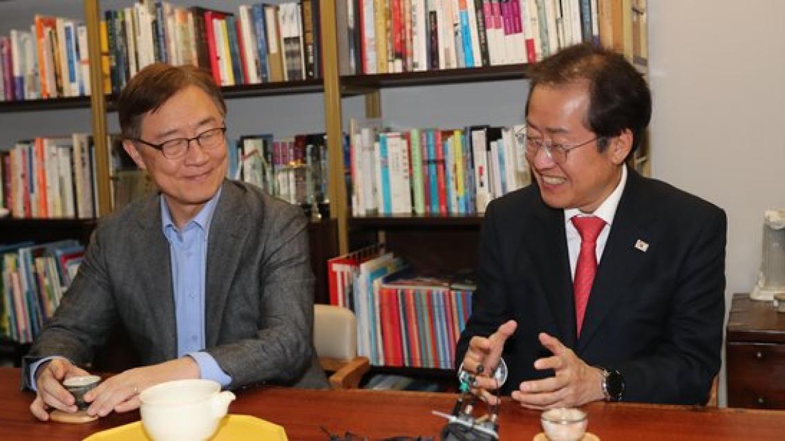 """최재형, 홍준표 지지 선언 """"정권교체 위해 함께 하겠다"""""""