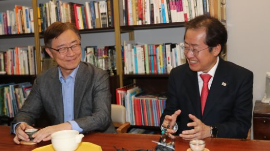"""결국 홍준표 지지한 최재형 ...""""尹은 정치적 포지션 겹친다"""""""